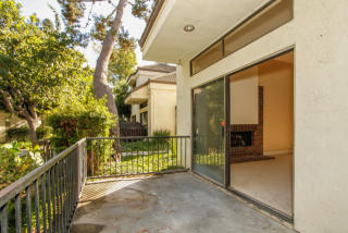 Townhome-for-sale-huntington-beach-southern-california
