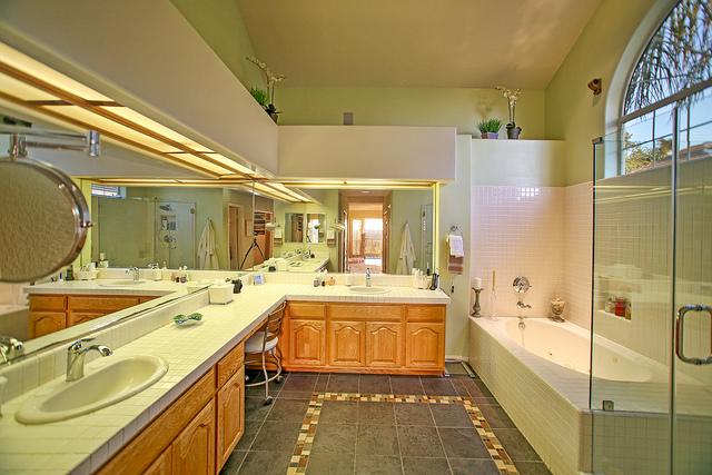 Home for sale in Orange CA - master bathroom
