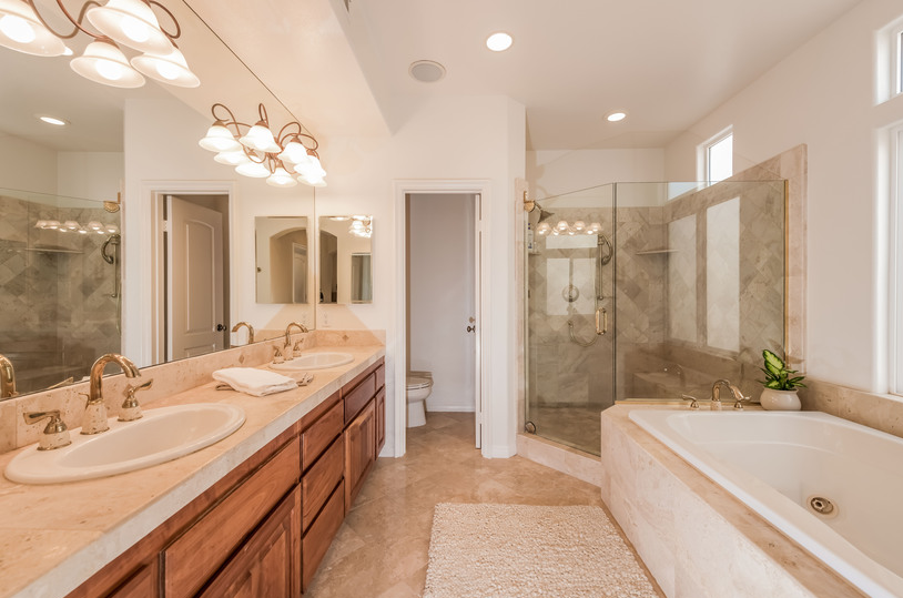 Home for Sale in HUntongton Beach: Master Bathroom