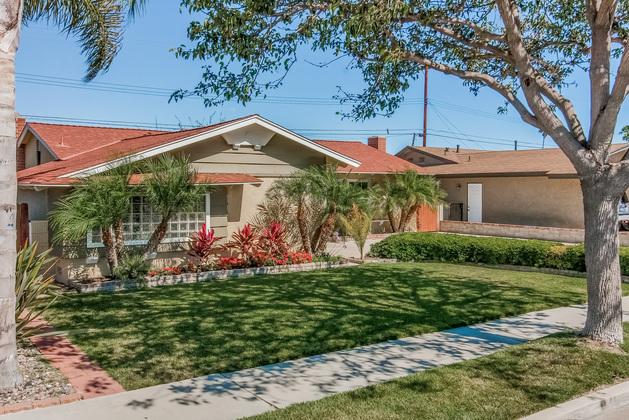 16222 Birdie Lane Huntington Beach, CA