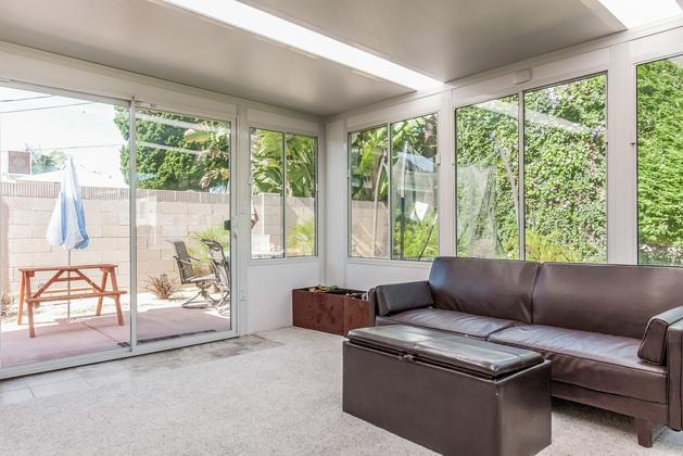 Huntington Beach Dream Home: Beautiful Sun Room