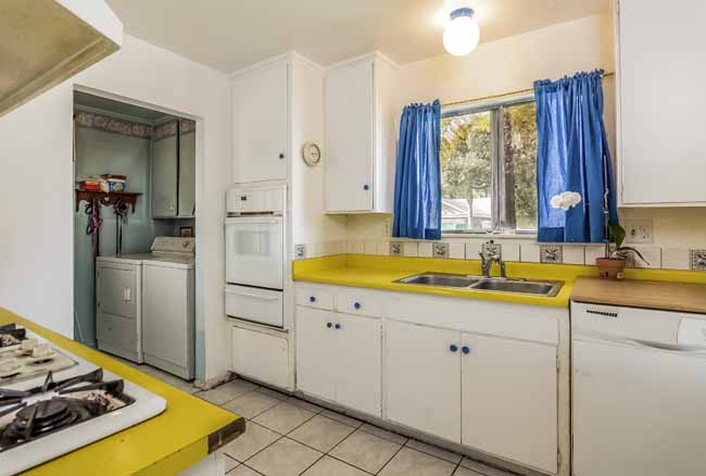 Home for Sale in Huntington Beach, CA: 14871 Quill Circle