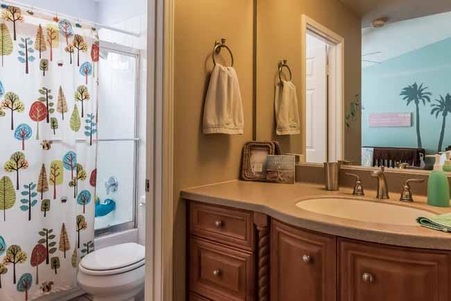 034-Bathroom-1958855-large