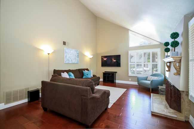 25642 Horse Shoe Lake Forest, CA