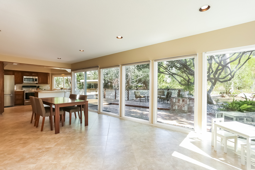 22782-rumble-dr-lake-forest-family_room