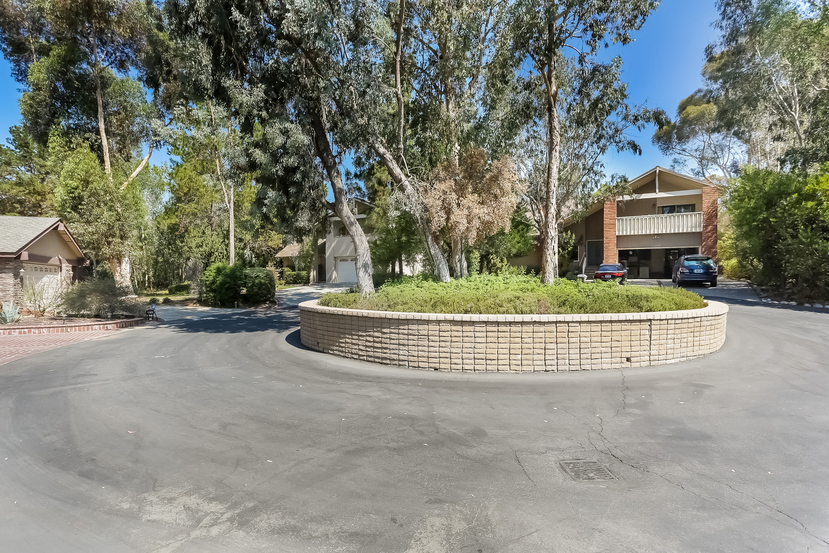 22782-rumble-dr-lake-forest-front_view-2