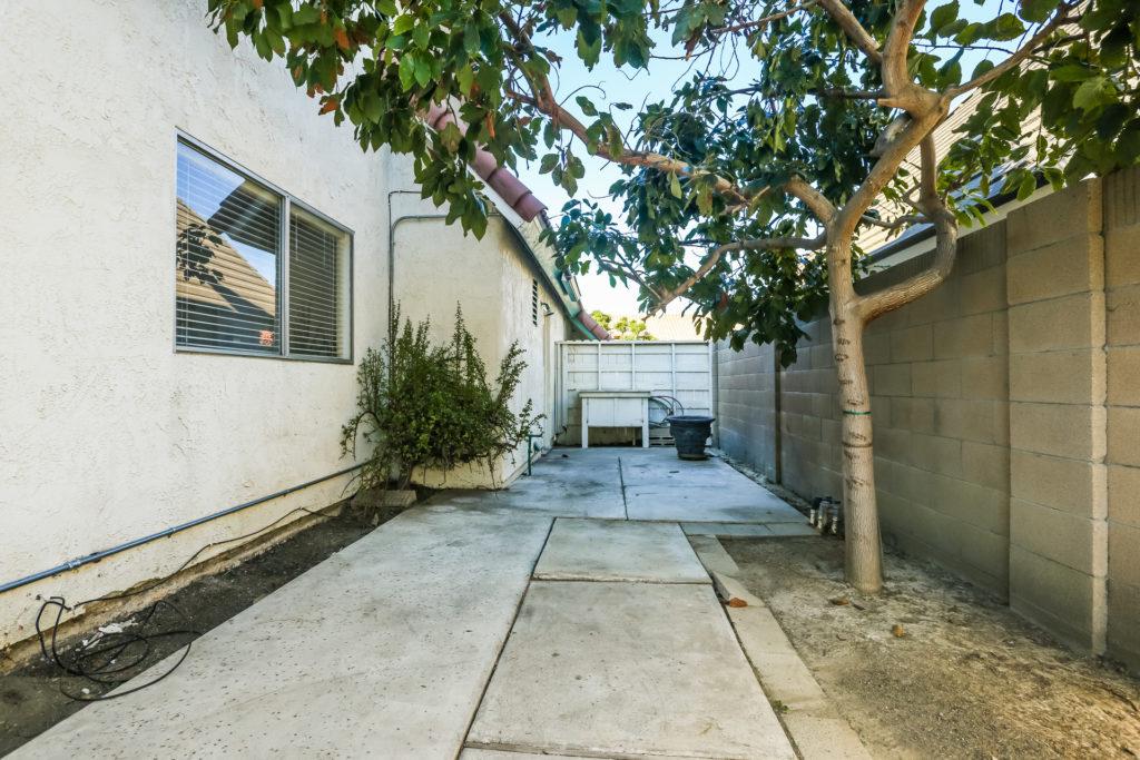 8532 Keel Drive in Huntington Beach, CA