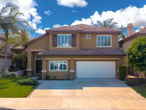 36 Santa Comba, Irvine is a spacious interior tract home on a cul-de-sac featuring 5 bedrooms (1 Downstairs) and 2.5 baths in the highly desirable Westpark community!!