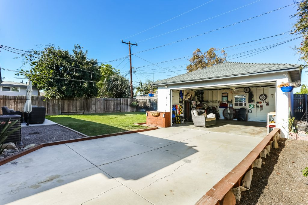 2306 Heather Avenue, Long Beach is a charming and completely renovated Los Altos home, nestled in a quiet, interior tract location in the highly desirable Stratford Square.
