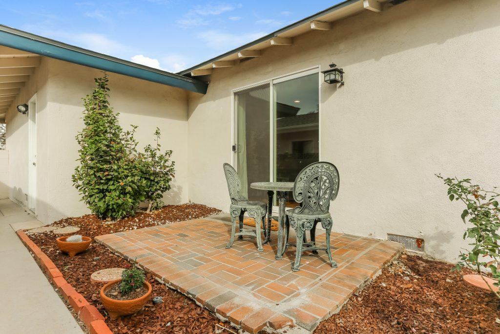 1044 E Chestnut Ave, Orange is a remarkable 3 bedroom, 2 bath Interior tract location home on an over 7,000 SqFt Lot!